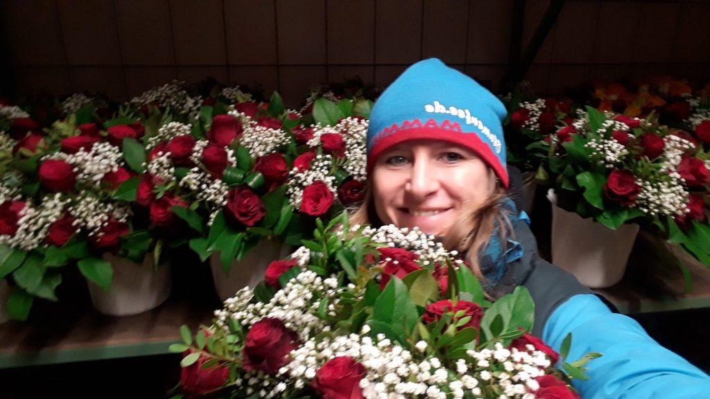 Blumentrauß Traum in Rot in der Kühlzelle