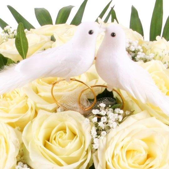 Blumenstrauss Hochzeits Traumerei Mit Weissen Premium Rosen Und Gratis