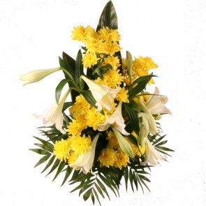 Grabstrauß mit Lilien und Chrysanthemen