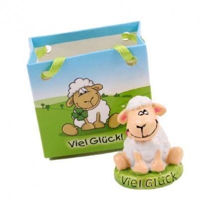 Deko-Schaf als Ergänzung zu Ihrem Blumenstrauß online bestellen auf Blumenfee.de