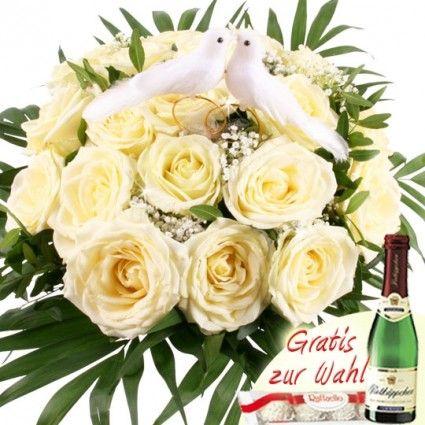 Blumenstrauß Hochzeitsträumerei in Weiß / Creme mit Taubenpaar
