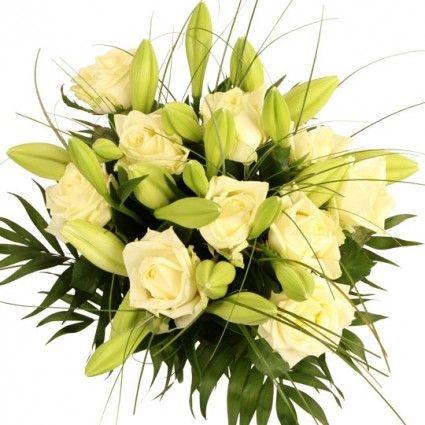 Lilien und Rosen in Weiß / Creme im Premium Blumenstrauß White Dream mit gratis Secco Hugo bei Blumenfee