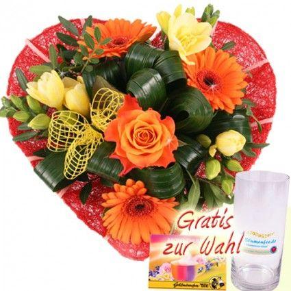 Blumen mit Herz - Blütenherz mit Vase - online schnell und günstig versenden