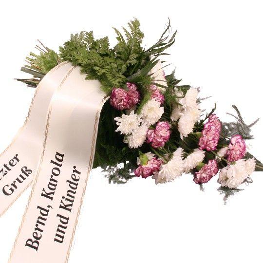 Trauerstrauß in Rosa Lila Weiß mit Chrysanthemen und Nelken mit Trauerschleife