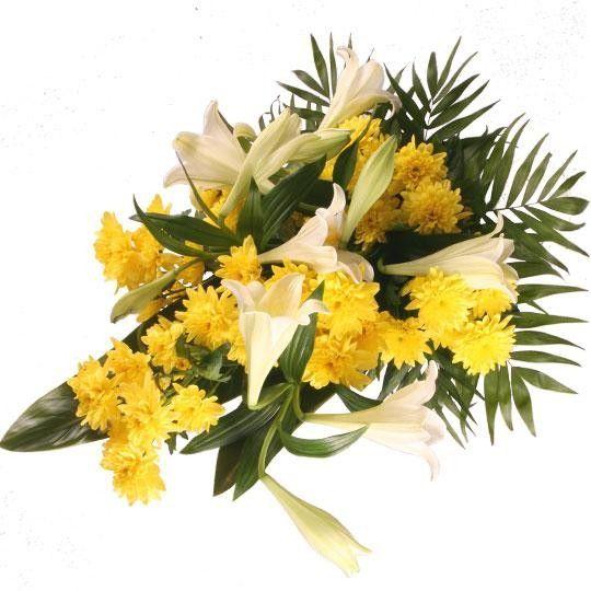 Trauerstrauß Abschied in Gelb Weiß mit Chrysanthemen und Lilien und Trauerkarte