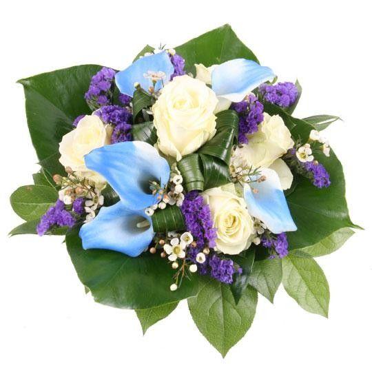 Ein blauer Diamant zum Geburtstag blau weiße Calla und weiße Rosen