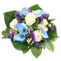 Ein blauer Diamant zum Geburtstag-blau-weiße Calla und weiße Rosen