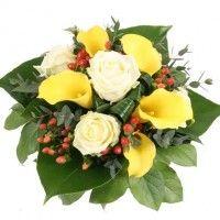 Magie der Träume - gelbe Calla und weiße Rosen